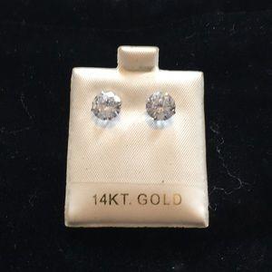 Jewelry - 14kt gold stud earings
